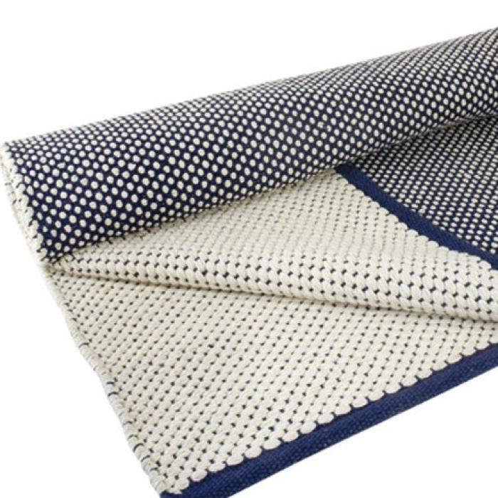 Teppich Dots, 140 x 200 cm, blaualtweiss bei Le Bon Jour