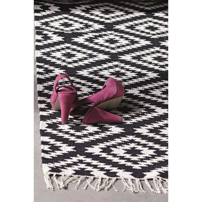 teppich apache 200 x 300 cm schwarz weiss bei le bon jour. Black Bedroom Furniture Sets. Home Design Ideas