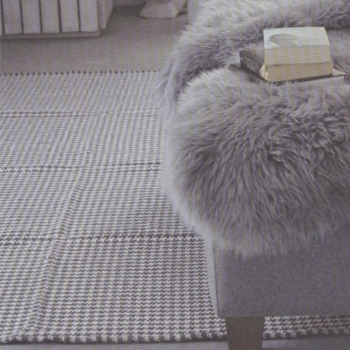 Teppich Vichy, 140 x 200 cm, graugrünweiss bei Le Bon Jour