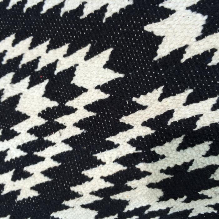 Teppich läufer weiß  Läufer klein Apache, 55 x 120 cm, schwarz/weiss bei Le Bon Jour
